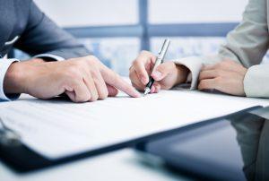 Unterschrift Vertrag Einkauf Verhandlung Sourcing Partner